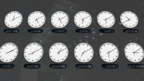 De plaatsklokken met Verschillende Tijdzones verstrijken op tijd stock footage