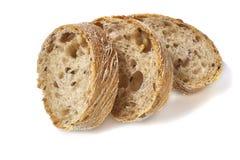 De plakken van het brood op witte achtergrond Royalty-vrije Stock Foto's