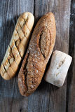 De plakken van het toostbrood in stroken in metaalpot Royalty-vrije Stock Foto's