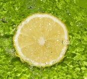 De plakwater van de citroen Stock Afbeelding
