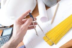 De plannen en de hulpmiddelen van de bouw Royalty-vrije Stock Afbeeldingen