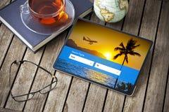 De plannende Tablet van de Vakantiereis stock afbeeldingen