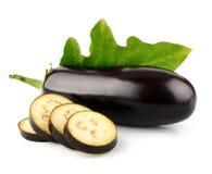 De plantaardige vruchten van de aubergine met geïsoleerde, besnoeiing Stock Afbeelding