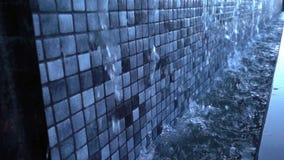 De Plons van de Fonteinstromen van de waterpool stock video