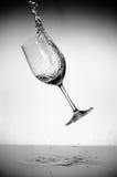 De plons van het glas en van het water Royalty-vrije Stock Afbeelding