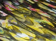 De plonsenverf van de verf donkerblauwe roze gele gouden was De abstracte achtergrond van de waterverfverf Royalty-vrije Stock Afbeeldingen