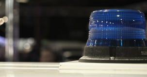 De politie controleert de signaallichten stock video