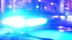 De politie steekt stadsnacht aan stock videobeelden