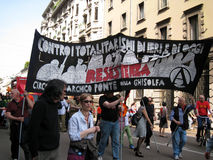 DE POLITIEKE PARADE VAN DE DAG VAN DE BEVRIJDING. MILAAN, ITALIË Stock Foto's