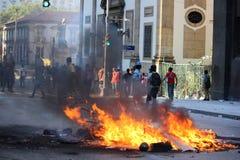 De politievechtlust wordt gebruikt om protesten in Rio de Janeiro te bevatten Royalty-vrije Stock Foto's