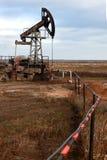 De pomp en de pijp van de olie Stock Afbeelding