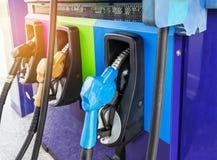 De pomp van brandstofpijpen op gasbenzinestation Royalty-vrije Stock Afbeelding