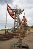 De pomp van de olie op het gebied Stock Foto