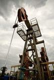 De pomp van de olie op het gebied Royalty-vrije Stock Fotografie