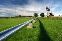 De pomp van de pijpleiding en van de olie Stock Fotografie