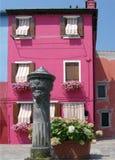 De pomp van het water in Burano, Venetië. Stock Fotografie