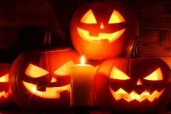De pompoen en de kaarsen van Halloween royalty-vrije stock foto's