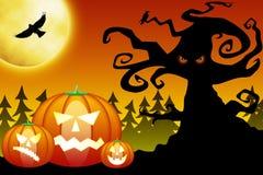 De pompoenen van Halloween in eng bos Royalty-vrije Stock Foto