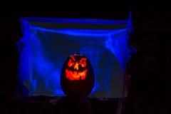 De Pompoenen van kaarslit Halloween Stock Foto's