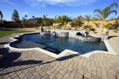 De pool en het kuuroord van de woestijn Royalty-vrije Stock Afbeelding