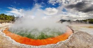 De pool van Champagne, Waiotapu, Nieuw Zeeland stock foto's