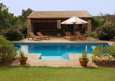 De pool van de villa Stock Afbeelding