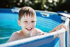 De pool van de zomer. Stock Afbeeldingen
