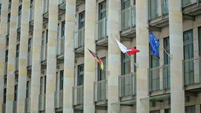 De Poolse Vlaggen van de EU van Duitsland van Europese landen stock video