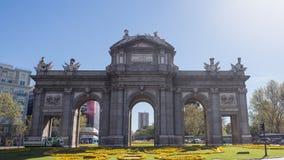 De poort van Alcala in Madrid Stock Afbeeldingen