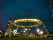 De poort van Biswabangla of Kolkata-Poort bij Nieuwe Stad stock foto's