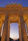 De Poort van Brandenburg bij Schemer Royalty-vrije Stock Foto