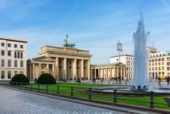 De Poort van Brandenburg (Brandenburger-Piek), Berlijn Stock Foto
