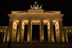 De poort van Brandenburg in de nacht Royalty-vrije Stock Foto
