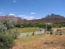 De poort van de boerderij Stock Fotografie