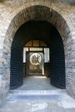 De poort van de gevangenis stock fotografie