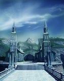 De poort van de ingang aan fantasiekasteel Stock Afbeelding