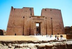 De poort van de ingang van Horus tempel, Egypte. Royalty-vrije Stock Afbeelding