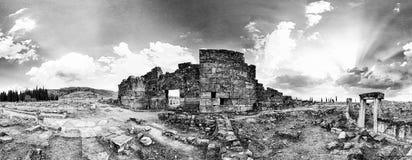 De poort van Domitian in Hierapolis Royalty-vrije Stock Afbeeldingen