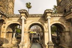 De Poort van Hadrian in oude stad van Antalya stock afbeelding