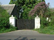 De poort van het dorp Stock Fotografie