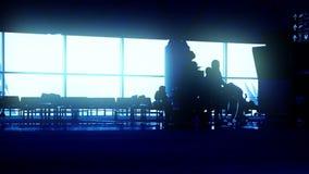 De Poort van het luchthavenvertrek stock video