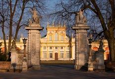 De poort van het Paleis van Wilanow stock foto's