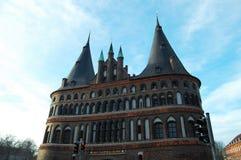De Poort van Holstentorholsten in Lübeck, Duitsland royalty-vrije stock foto's