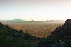 De poorten gaan Toneel over overzien in Tucson, Arizona stock fotografie