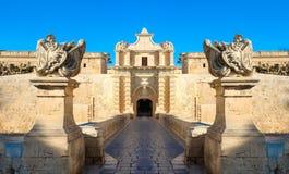 De poorten van de Mdinastad Oude Vesting malta royalty-vrije stock afbeeldingen