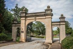 De Poorten van de Springwoodbegraafplaats Stock Foto's