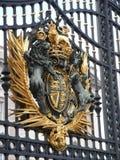 De poorten van het Buckingham Palace. Stock Foto's
