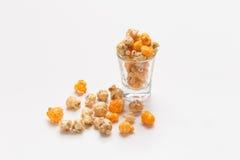 De popcorn bracht glas aan Stock Afbeeldingen