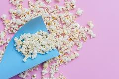 De popcorn of de zoete popcornvlakte lag stock afbeelding