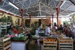 De Portugese plaatsen van de dorpsmarkt voor echt voedsel Royalty-vrije Stock Foto